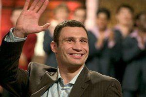 Кличко сравнялся по рейтингу с Януковичем