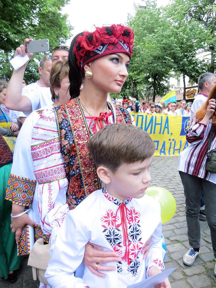 Одесса. Мегамарш у вышиванках