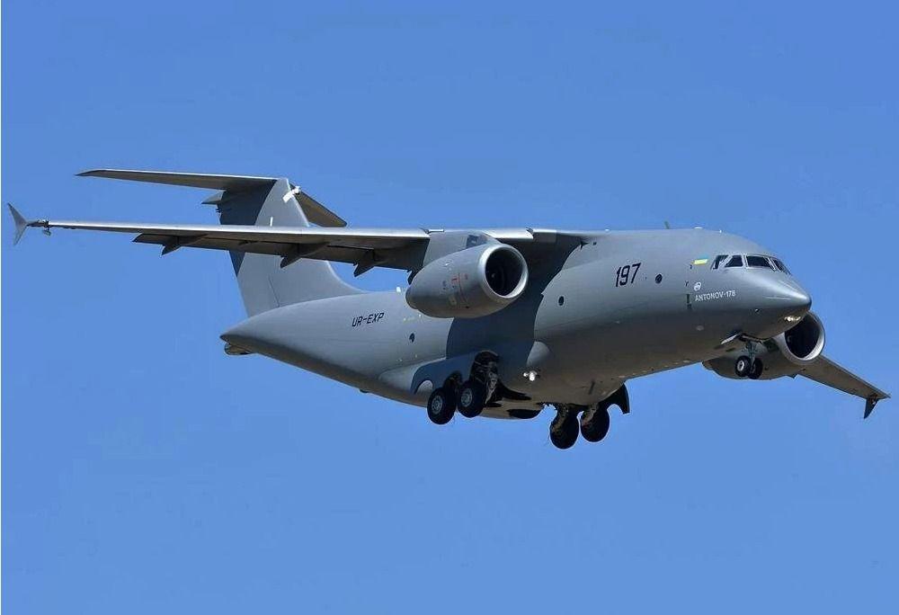 Видеопрезентация самолета Ан−178