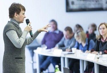 Оксана Забужко: «Перед нами стоїть проблема називання речей своїми іменами»