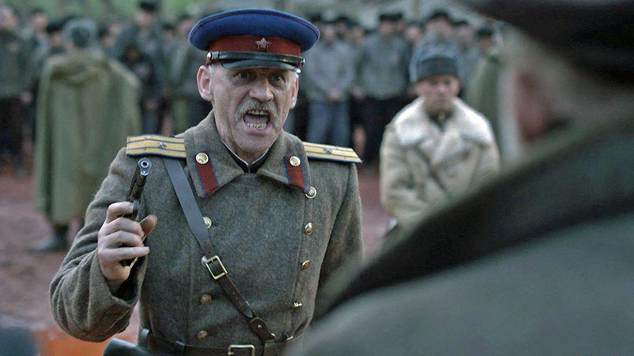 актор Олександр Мавріц у фільмі Червоний