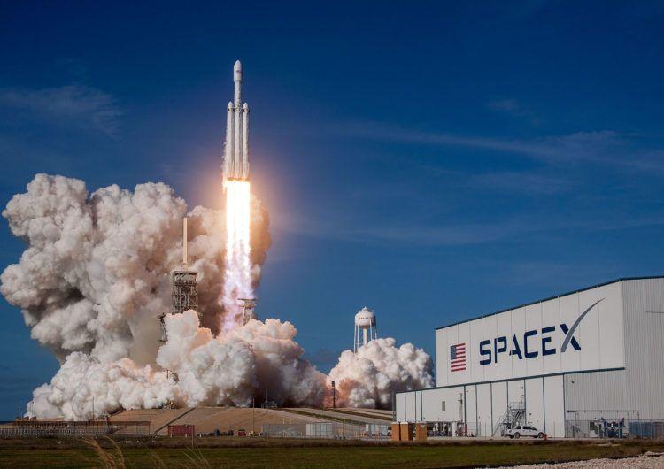 Історична подія: старт надважкої ракети Falcon Heavy